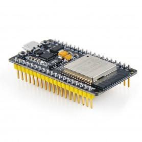 برد توسعه ESP32 دارای بلوتوث و Wifi