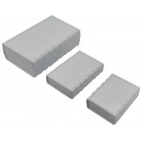جعبه برد پلاستیکی چهار تکه سفید مدل BMD سایز 90x68x28mm